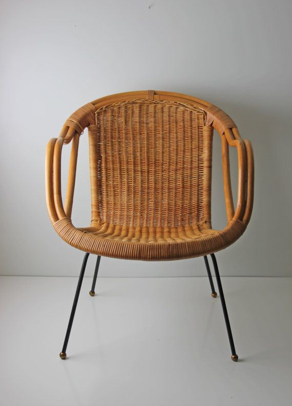 womb chair reproduction