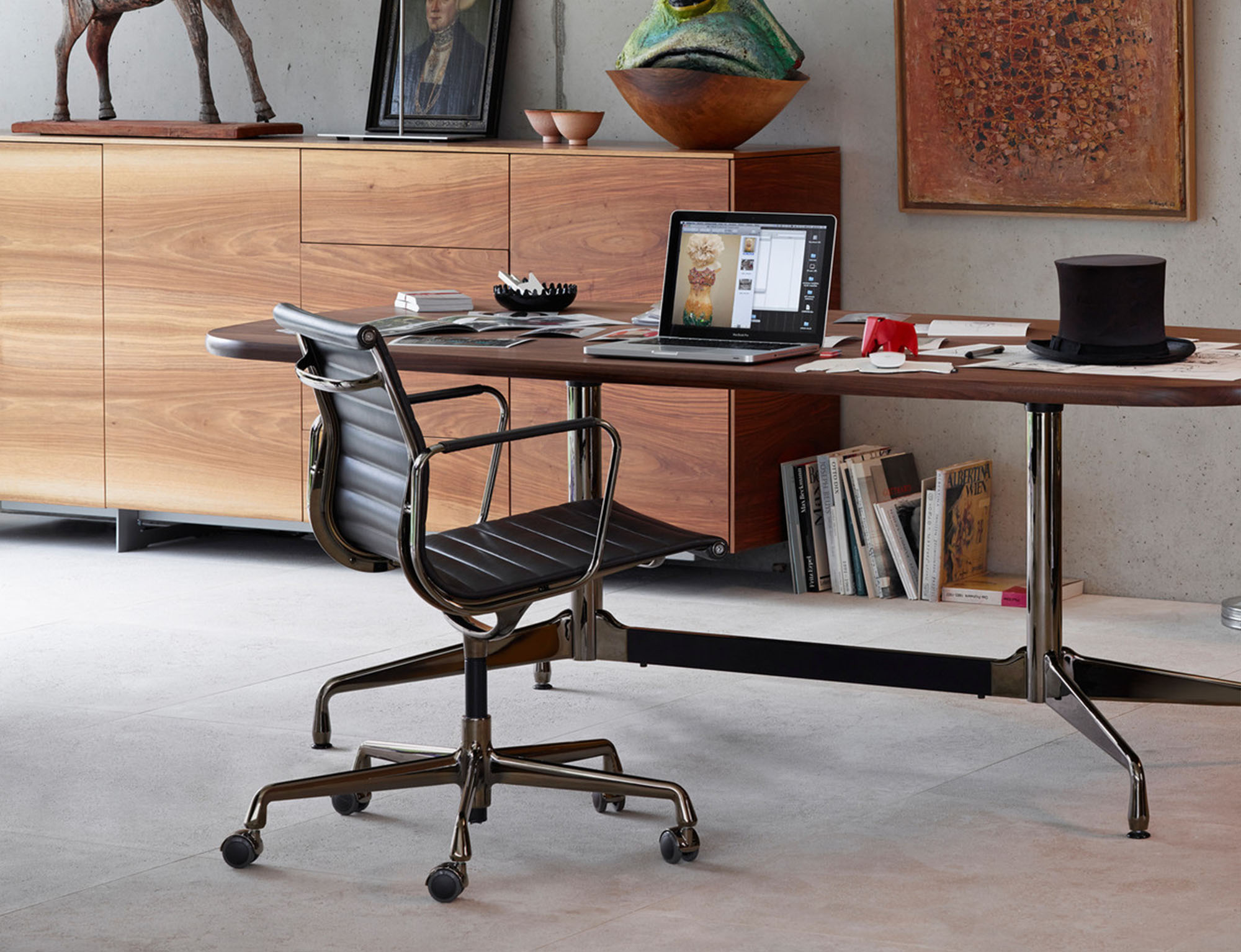 Eames Office Chair | Ribbed Management Chair