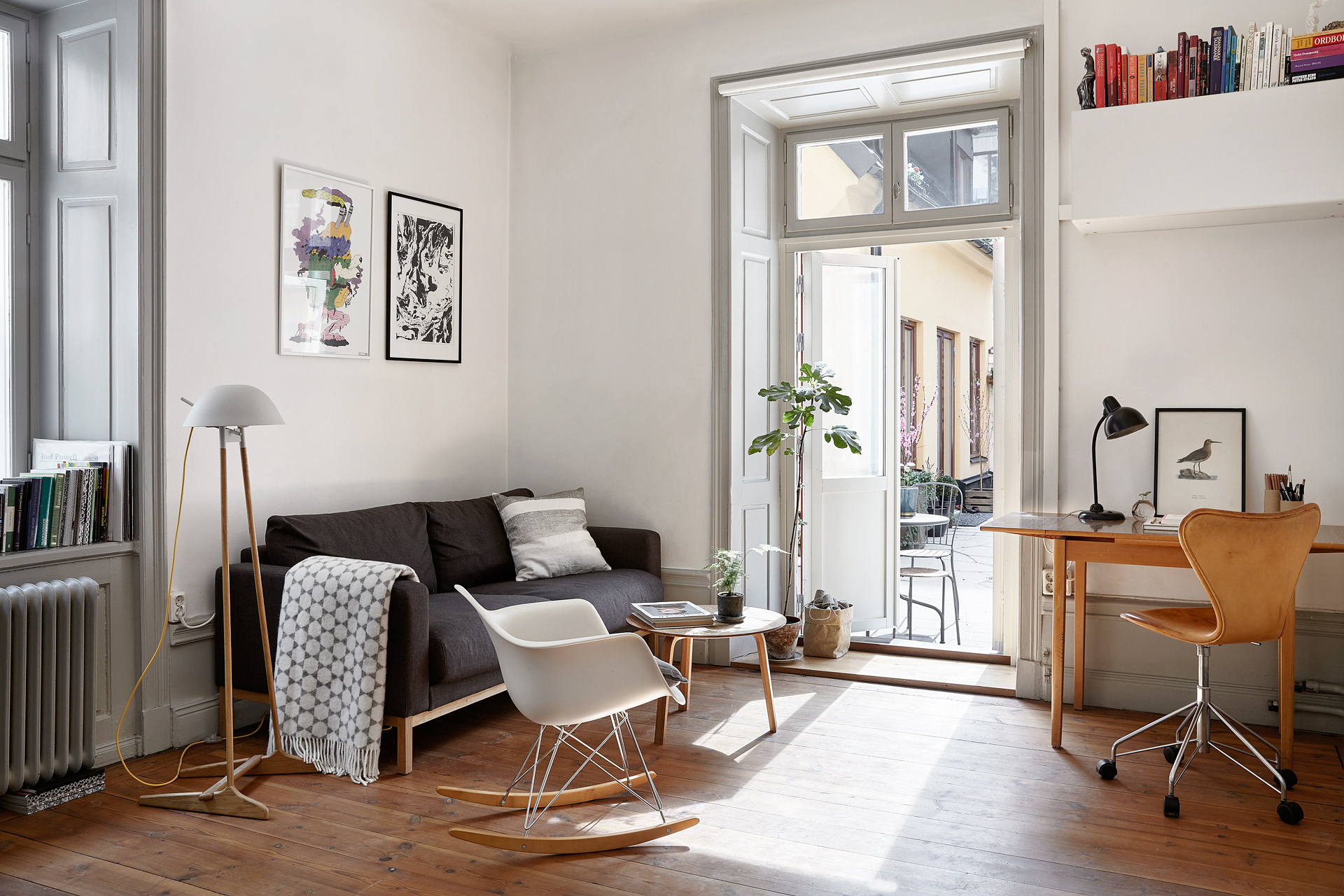 Eames Rocking Chair : The eames rocking chair is not just for babies and old people